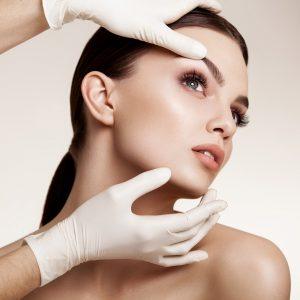 Что такое хирургический лифтинг лица: все о процедуре