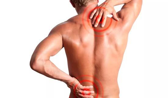 Почему спина покрывается прыщами и как их убрать?