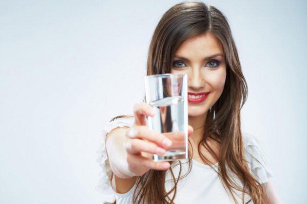 Препарат нужно запивать большим количеством воды