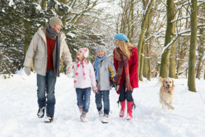 При бронхите стоит исключить прогулки в холодное врем года
