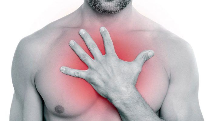 Боль в области груди