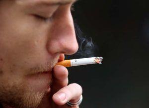 Курение является причиной влажного кашля