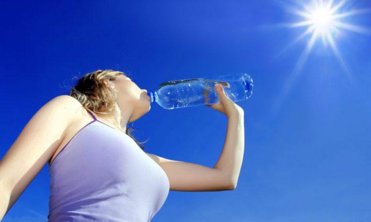 Сколько воды нужно выпивать в день, чтобы сбросить лишний вес