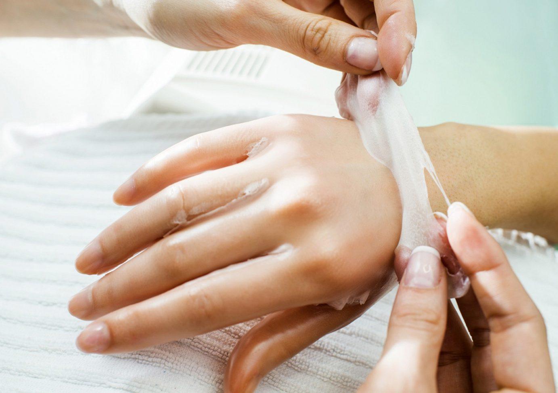 paraffin-wax-hand-treatment