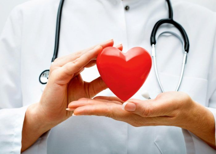 Людям с хроническими сердечно-сосудистыми заболеваниями