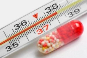 При инфекционном бронхите температура не спадает около 3 суток