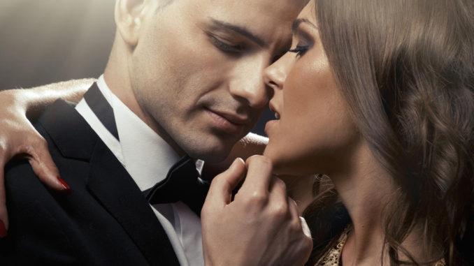 красивые мужчина и женщина