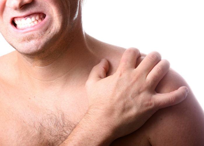 Болевой синдром в районе плеча