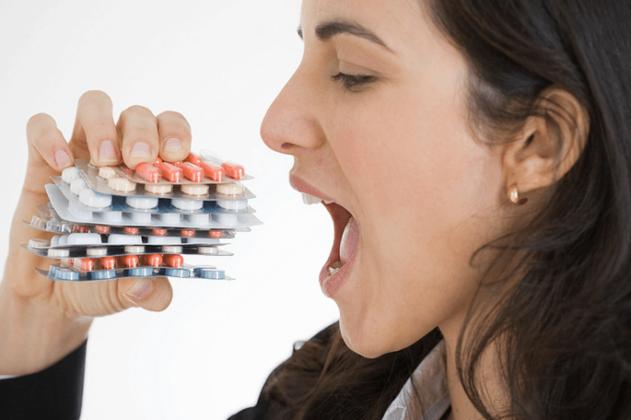 Самостоятельный прием антибактериальных препаратов влечет за собой тяжелые последствия