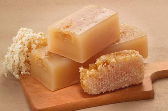 Хозяйственное мыло − универсальное средство для кожи лица