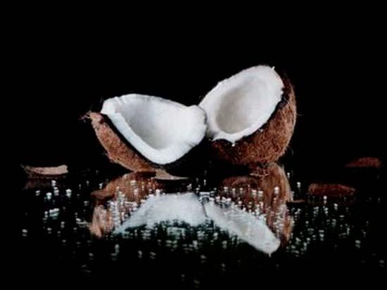 Как избавиться от прыщей на лице с помощью кокосового масла