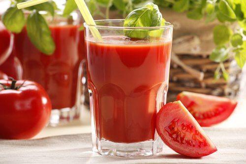 Как приготовить томатный сок в домашних условиях на зиму: рецепты
