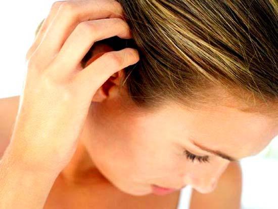 Прыщи на голове: причины и лечение