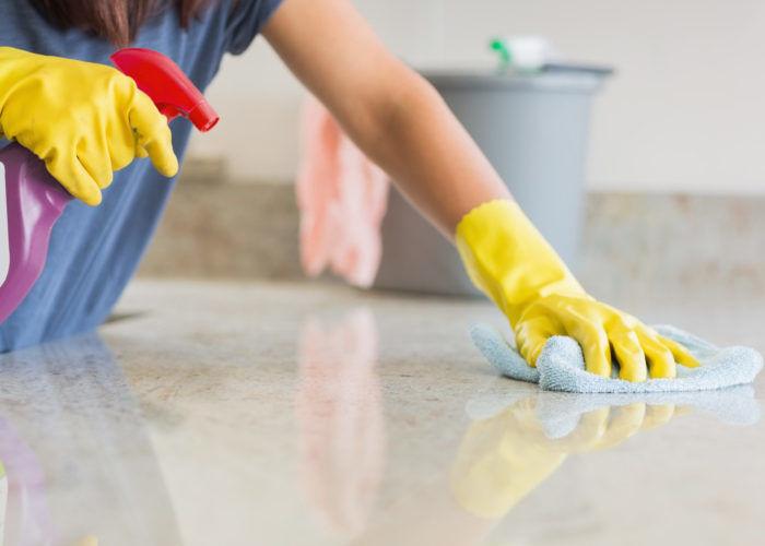 Влажная уборка в доме