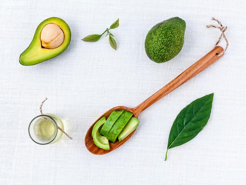 Масло авокадо: полезные свойства, применение в косметологии, рецепты