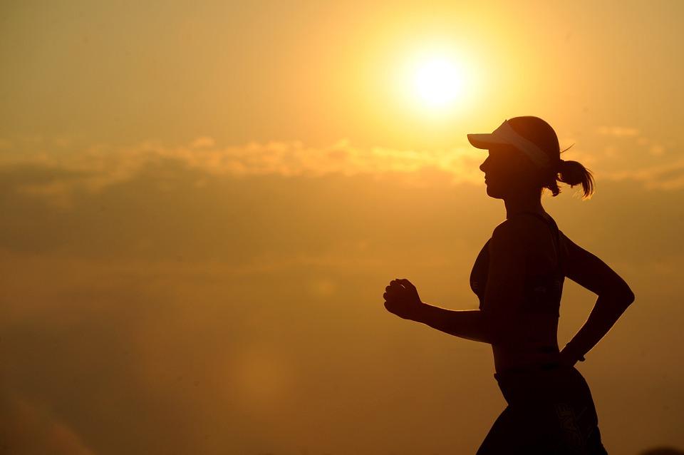 Как начать бегать по утрам правильно для похудения и бодрости духа