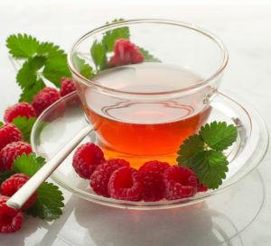 Малиновый чай для лечения боли в бронхах