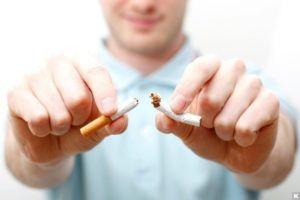 Для профилактики жидкости в легких стоит меньше курить