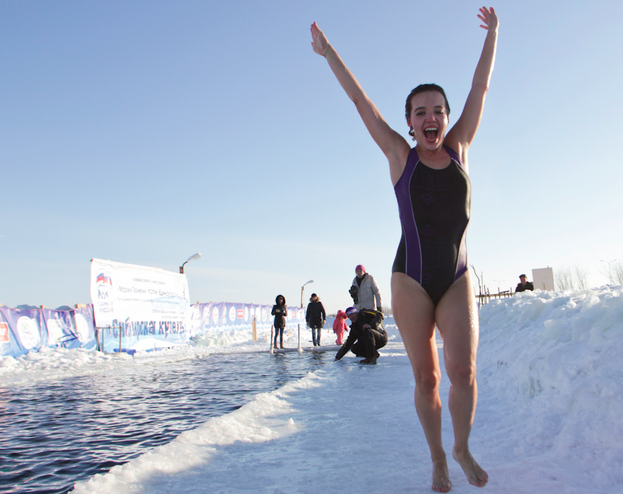 ice-swimming-siberia-3