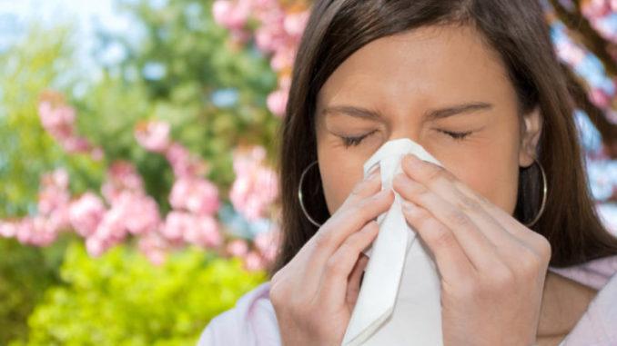 аллергический бронхит у девушки