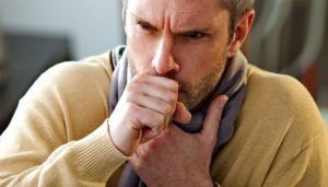 При сильном грудном кашле стоит обратится к пульмонологу