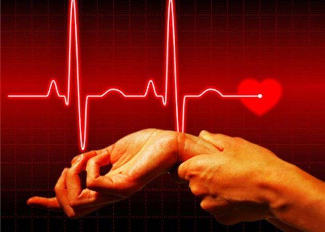 Сердцебиение учащается до 160 ударов в минуту