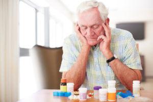Чаще всегопожилым людям противопоказана антибактериальная медикаментозная терапия