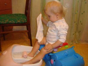Прогревание ног ребенку для лечения простуды