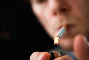 Долго курение является одним из причин появления двухсторонней пневмонии